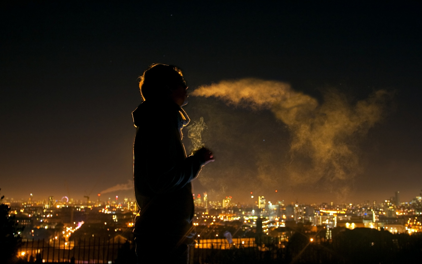 city_smoke_night_silhouette_31457_3840x2400