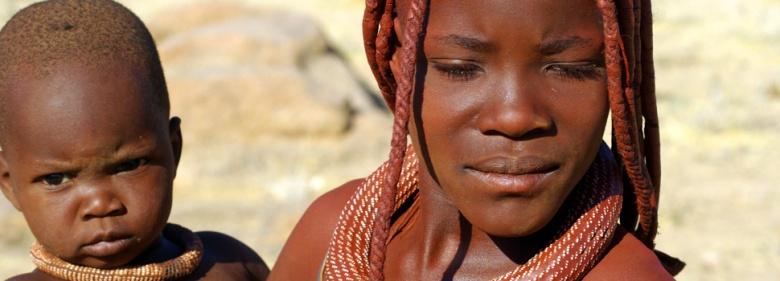 Mujer y niño namibios