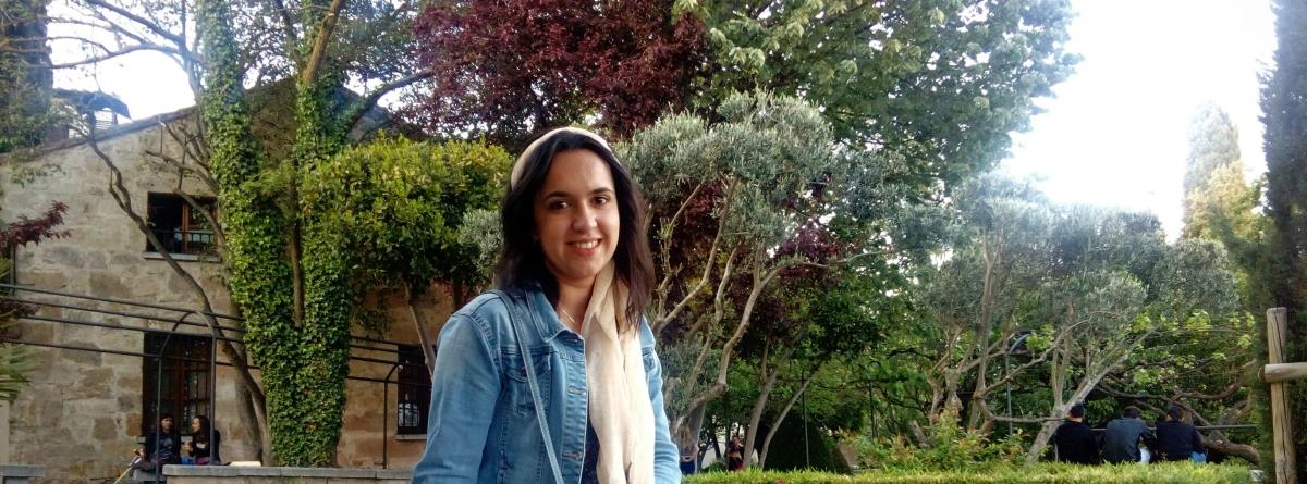Poesía del año: Con los pies descalzos, de Carmen Redondo